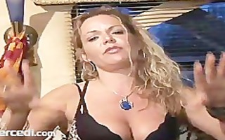 aged kelly leigh shows off her feet and toes