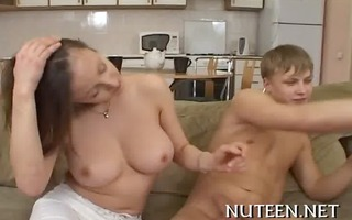 small hotty can&#5811 t live out of hardcore