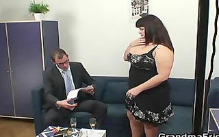 plump slut getting double drilled after