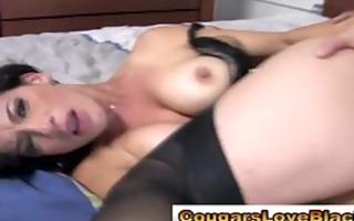 couger slut sucks and copulates a huge dark dick