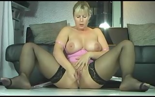 breasty golden-haired mother i squirts fountains