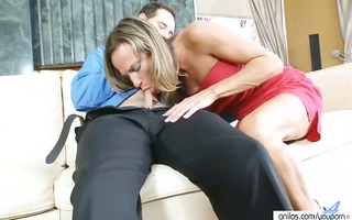 large tit cougar housewife does hardcore