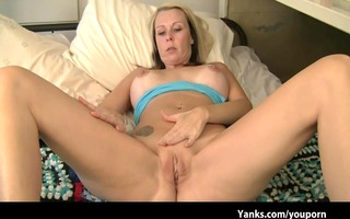 blond d like to fuck fingers her drenched bawdy