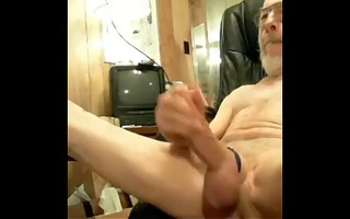 old man jerks his wang and large balls on webcam