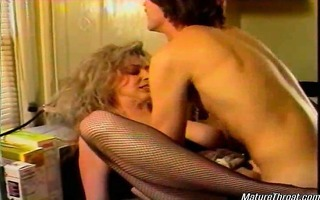 very sexy blond older whore still got the looks.