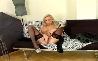 d like to fuck fingering her vagina