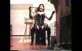servitude chair