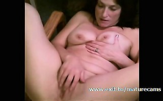 tracey 54 years masturbating in the attic