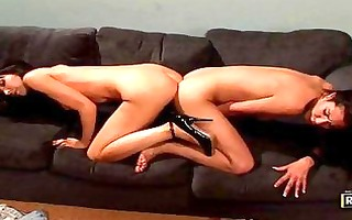 bootylicious dark brown lesbos playing with