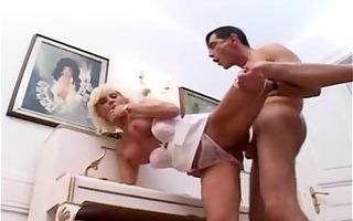 lad bonks sexy blond woman