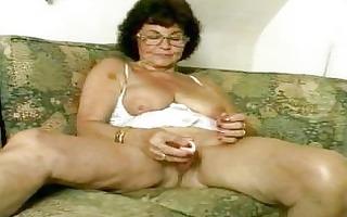indecent granny dildoing her old cum-hole
