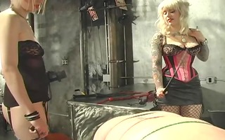 5 hawt tattooed dominatrixes torment their slave