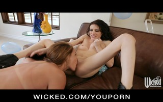smokin sexy lesbos take up with the tongue &