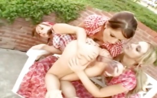 three-some lesbian babes t live without asshole