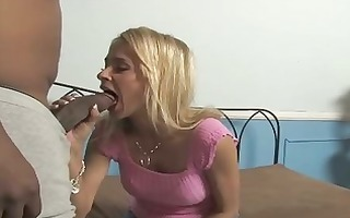 pretty mother acquires laid by a darksome lad