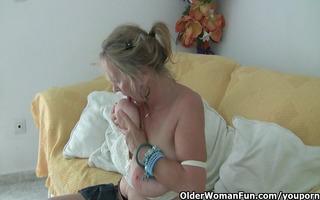 granny with large tits masturbates in hose