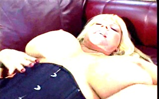 mommy large chichis