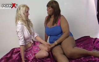 pornxn diminutive blonde fist fucking an swarthy