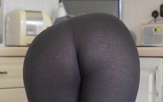 sexy booty in tights