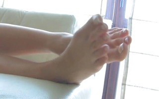 astonishing blond with pretty feet