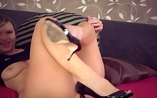 yummy mother i tickles her clit