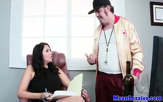 tattood lezdom dyke eats breasty women cunt