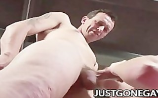 a hawt hunk derrick paul doing trio homo porn