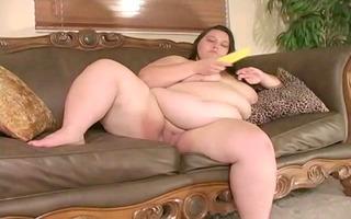 big beautiful woman masturbates with a corn