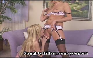 blond allies sharing slits