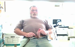 bearded daddy cum