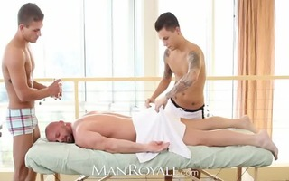 manroyale muscle dad receives serviced by twinks