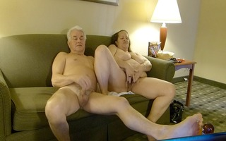 silver stud-horse and vixen2val livecam play for
