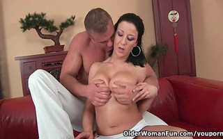soccer mommy with large love bubbles gets drilled