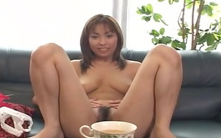 asian gives a great titjob