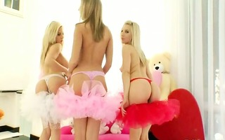 incredible blondes gag prolapse