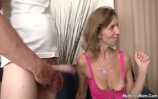 she is watches her old mommy receives drilled