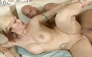 gorgeous momma brittany blaze gets a sticky cum