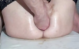 fisting the wifes holes untill she makes water