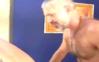 hawt daddy gives massage