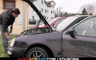 smart muscle lad seduces car mechanic