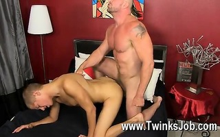 sexy homosexual muscled hunks like casey williams