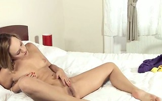 golden-haired woman cum-hole fisting herself