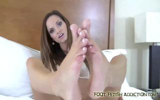 let me give an incredible footjob