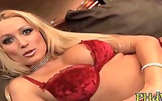 hotty masturbates on webcam