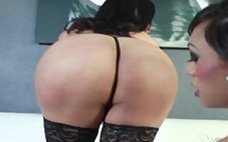 two sheladys switch fuck in nylons